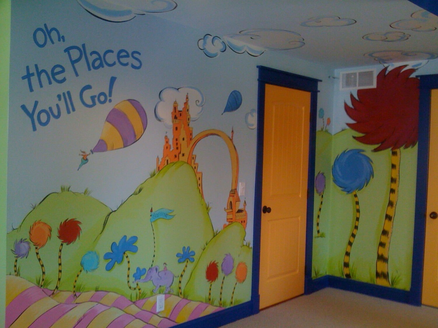 Painting kids spaces dr seuss oh the places you 39 ll go for Creation mural kids