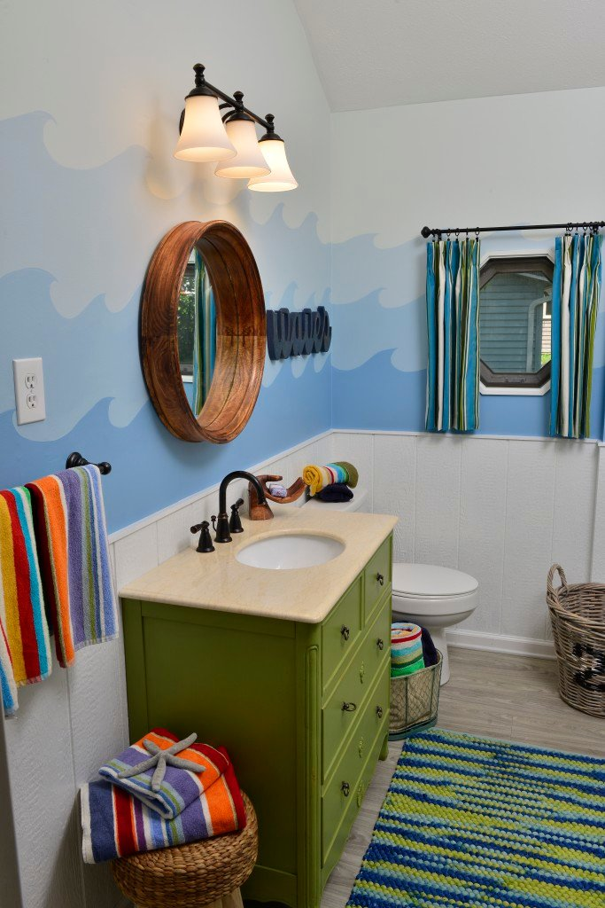 Making Waves at the Itsy Bitsy cottage bathroom