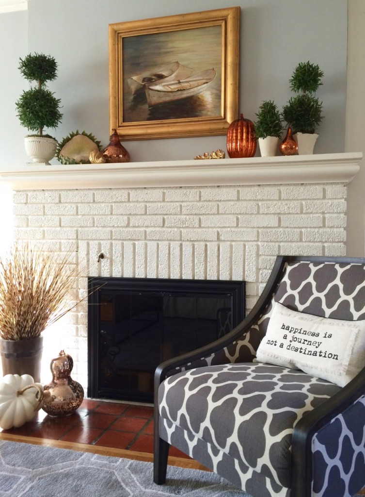A fresh, fun and family friendly living room makeover with Raymour and Flanigan and MemeHill Studio