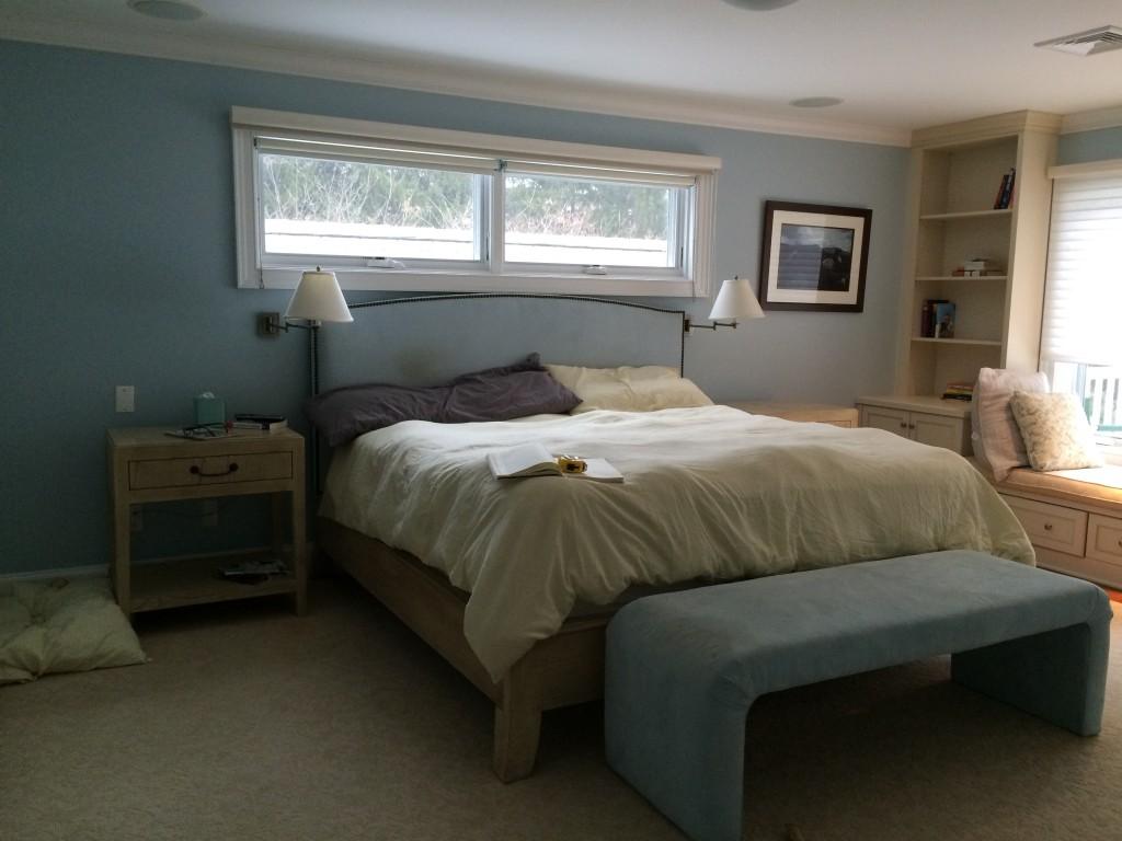 Springtime Blues: Guest bedroom makeover