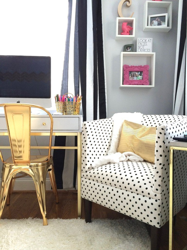 Black White And Chic All Over Teen Room Makeover With