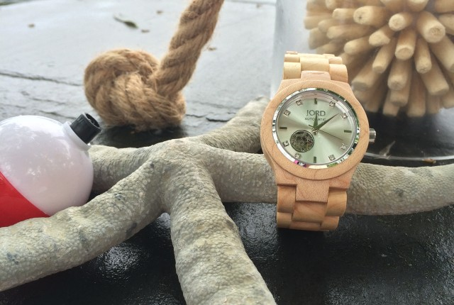 JORD wood watch with MemeHill.com