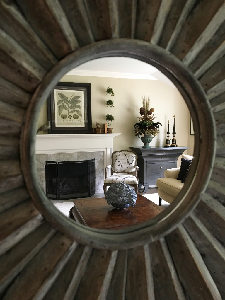 fall_home_tour_traditonal_decor-_livingroom_ideas_mirror_fireplace