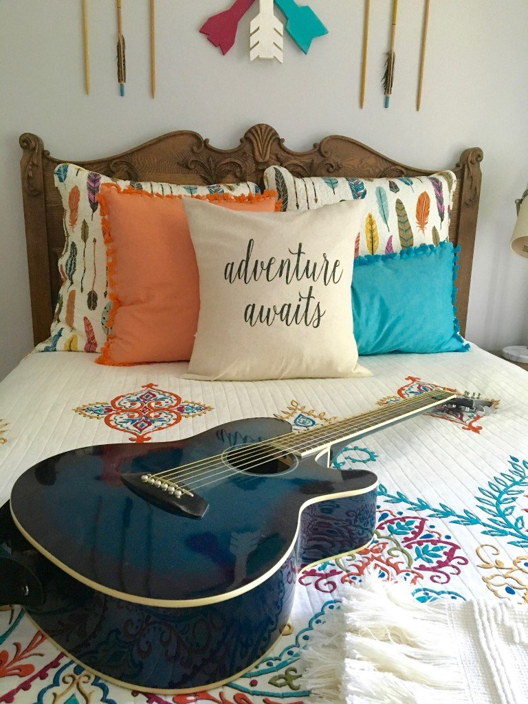 Boho chic teen girls room makeover adventure awaits for Chic bedroom ideas for teenage girls