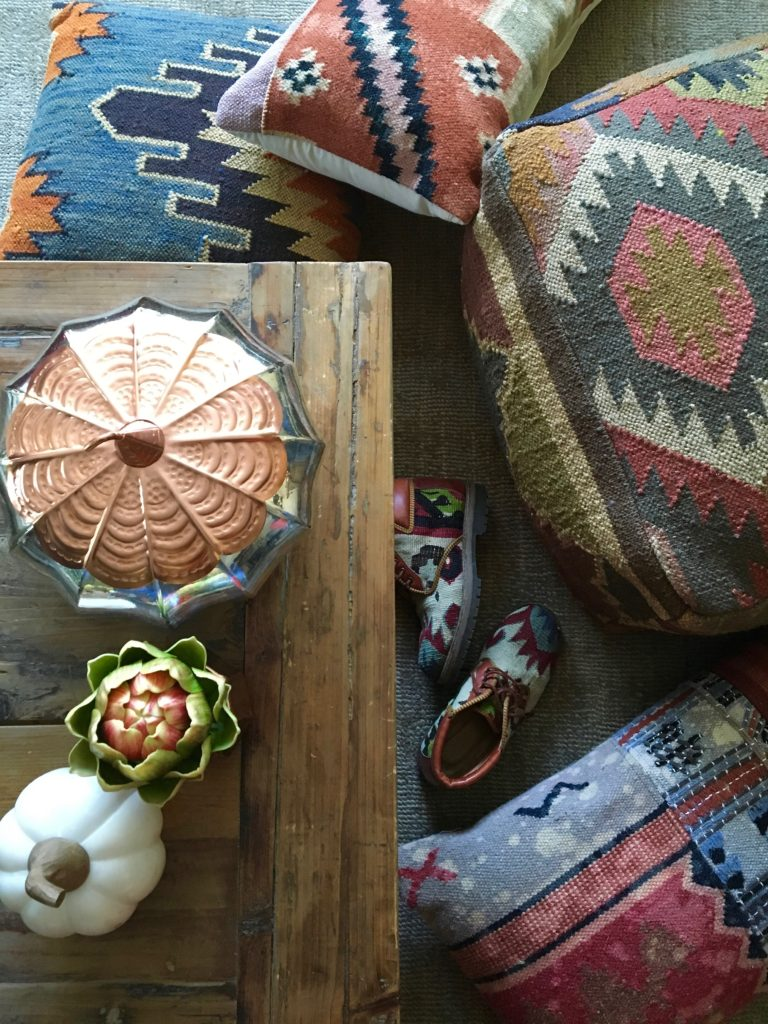 tapestry_pillows-poufs-fall_-deocr_homegoods_rustic_decorating_textures_pumpkins_copper_home