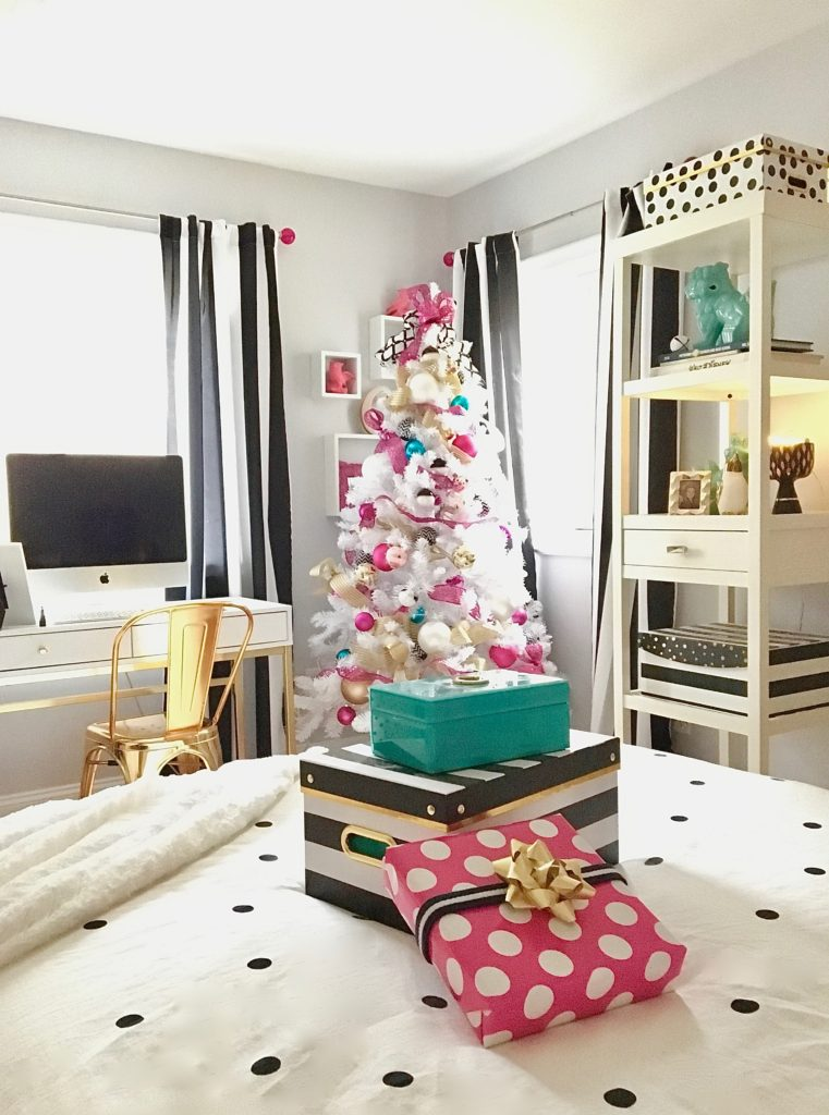meme-hill-black-white-christmas-tree-teen-room-pink-ornaments-raymour-flanigan-gold-desk-polka-dots-bedroom