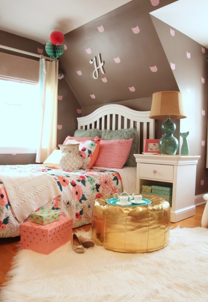 Sherwin_williams_poised_taupe_color_year_bedding_gold_land_nod_Homegoods_target_Pink-Mint_green_girls_room_Cute_fabulous_owl_pillow-Rug-fur