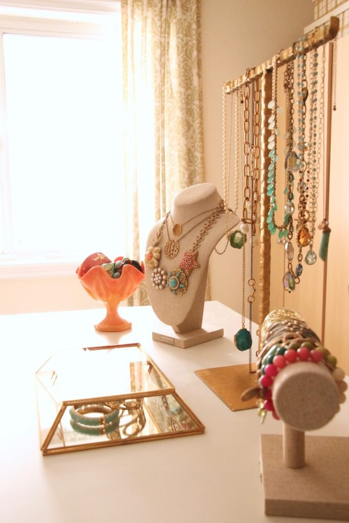 dream-walk-in-closet-organizing-jewelry-clothes-homegoods-home-decorators-collection-display-necklaces-pretty-furniture