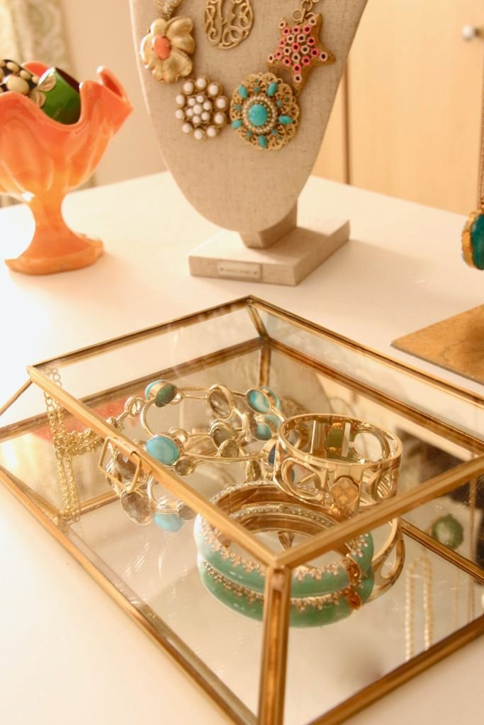dream-walk-in-closet-organizing-jewelry-clothes-homegoods-home-decorators-collection-gold-jewelry-boxes-mirrored-bracelets