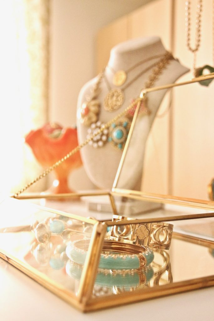 dream-walk-in-closet-organizing-jewelry-clothes-homegoods-home-decorators-collection-martha-stewart-crafts-furniture-gold-siplay-case-mirrored