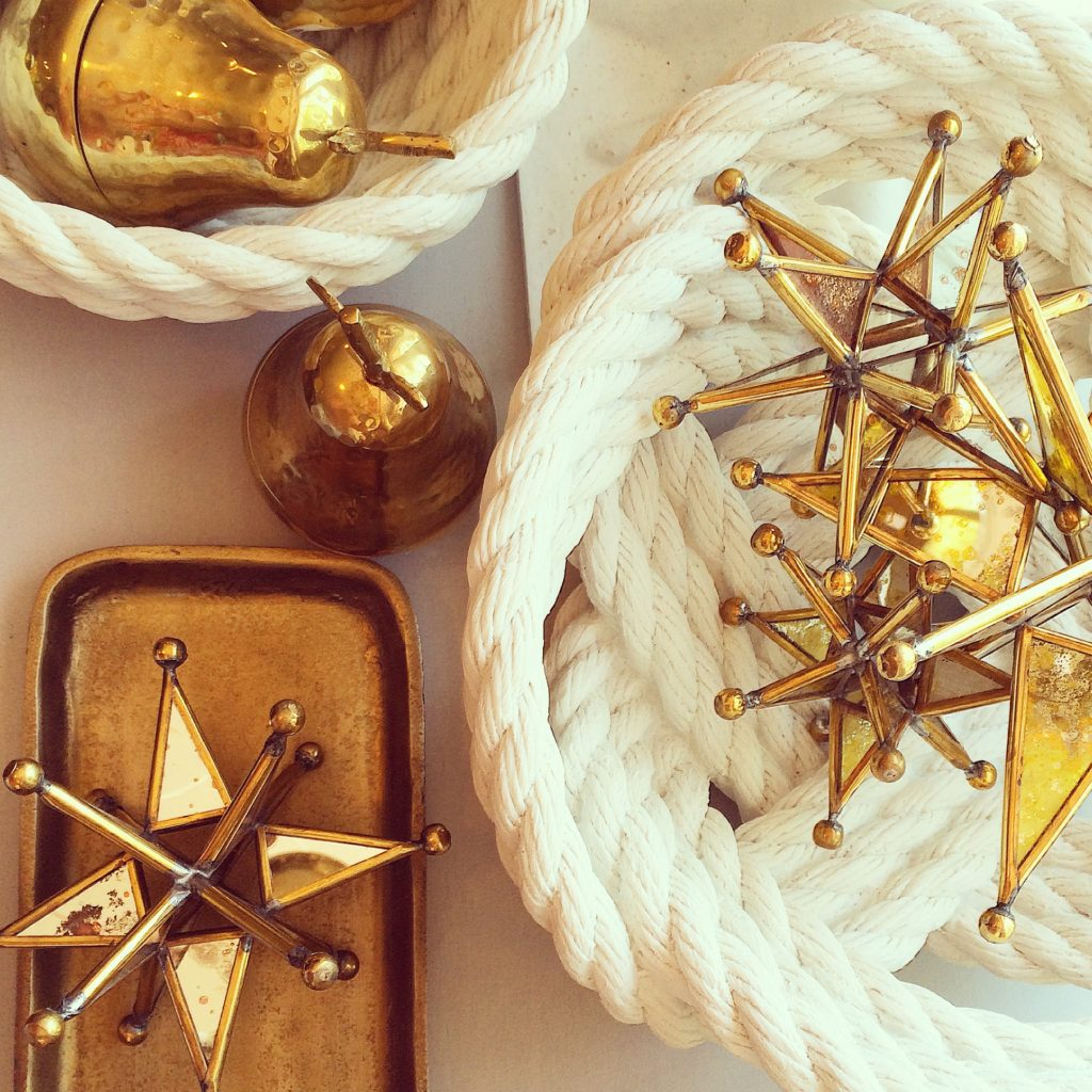 gold-brass-trends-star-home-decor-nautical-mirror