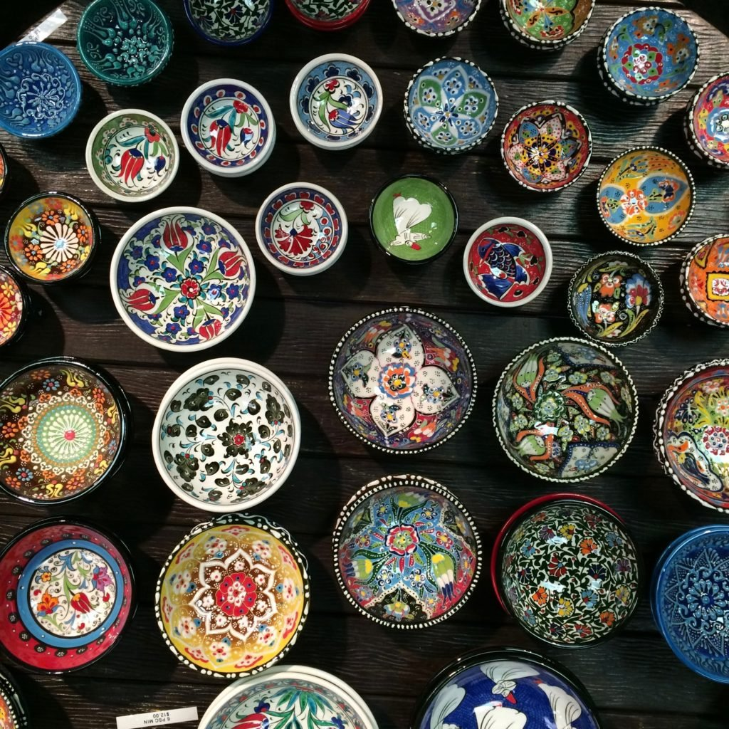 hand-painted-turkish-pottery-porcelain-bowls-colorful-art