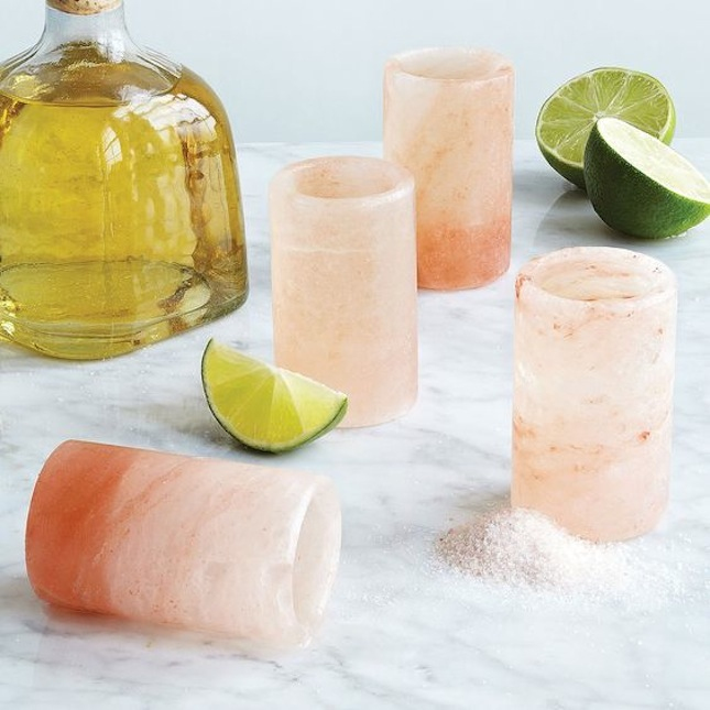 himalayan-sea-salt-lamp-lighting-trends-boho-chic-bohemian-shot-glasses-tequillajpeg