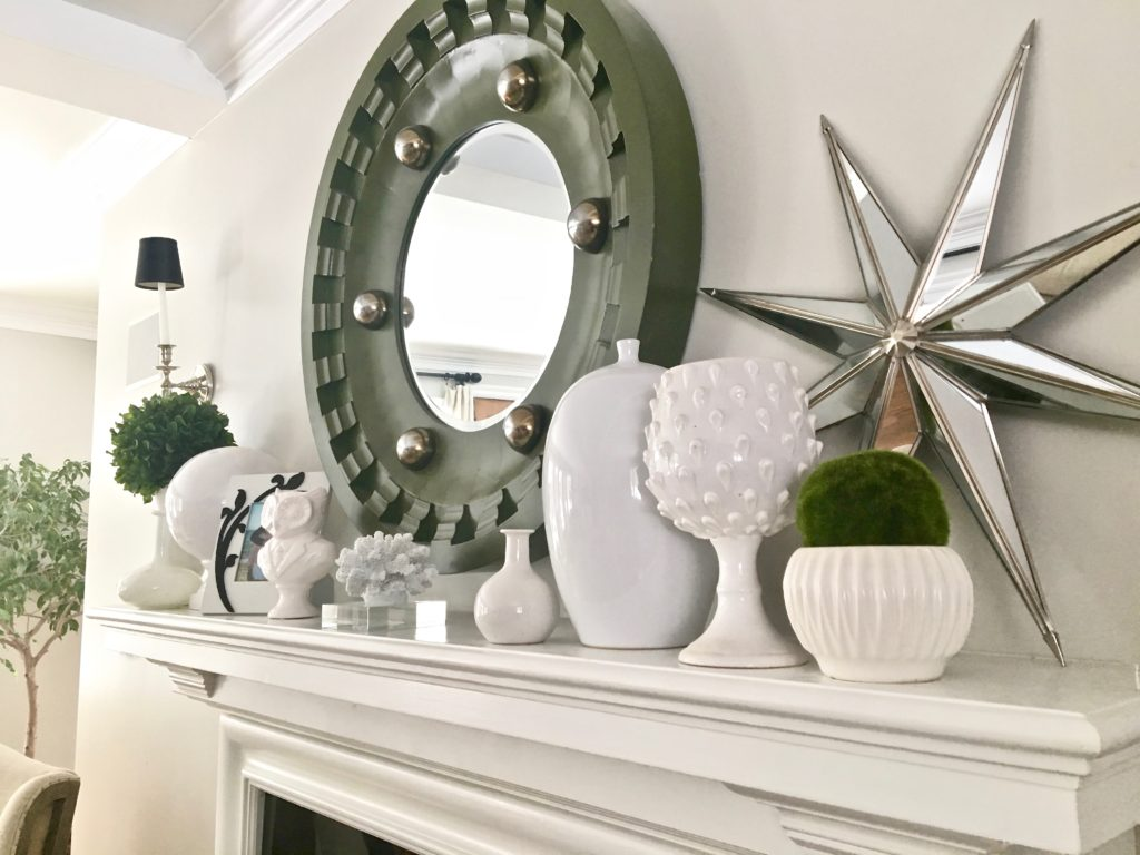 livingroom-black-white-clean-fireplace-mantel-decor-decorating-ideas-bright-interior-design-mantel-mirror-vignette