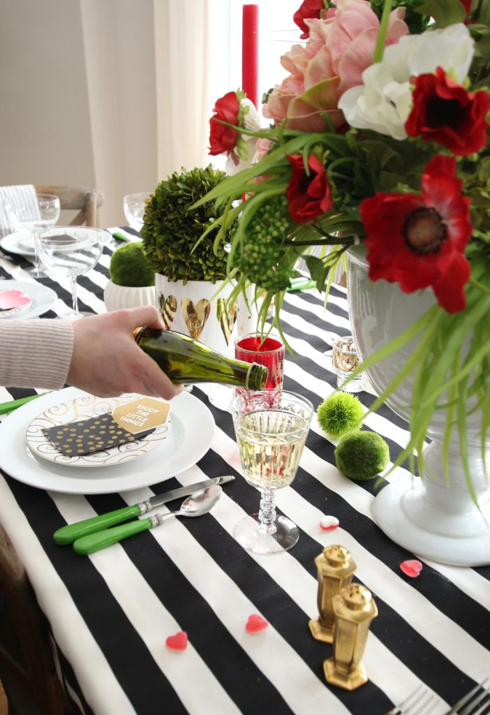 setting_the_table-Valentine's_day_black_white_stripes_gold_dinner_entertaining_Love_flowers_hearts_celebrate-Champagne_prosecco