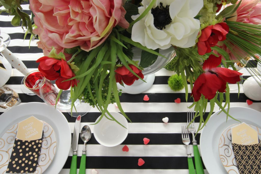 setting_the_table-Valentine's_day_black_white_stripes_gold_dinner_entertaining_Love_flowers_hearts_poppies