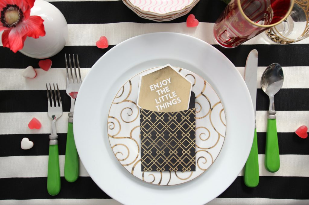 setting_the_table-Valentine's_day_black_white_stripes_gold_dinner_entertaining_Love_flowers_hearts_scrapbooking_hgtv_michaels