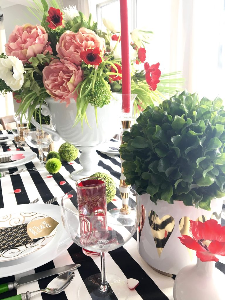 setting_the_table-Valentine's_day_black_white_stripes_gold_dinner_entertaining_Love_flowers_hearts_wine_Poenies