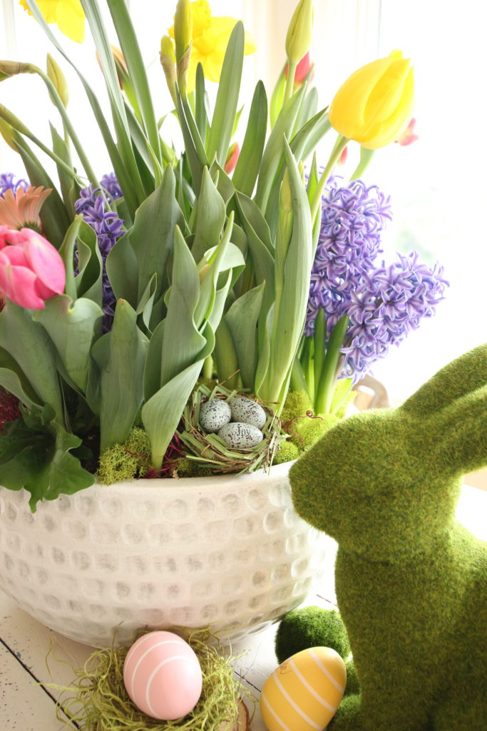 gerbera_daisies_container_garden_spring_easter_planter_flowers_white_moss_rabbits_homeGoods_easter_eggs
