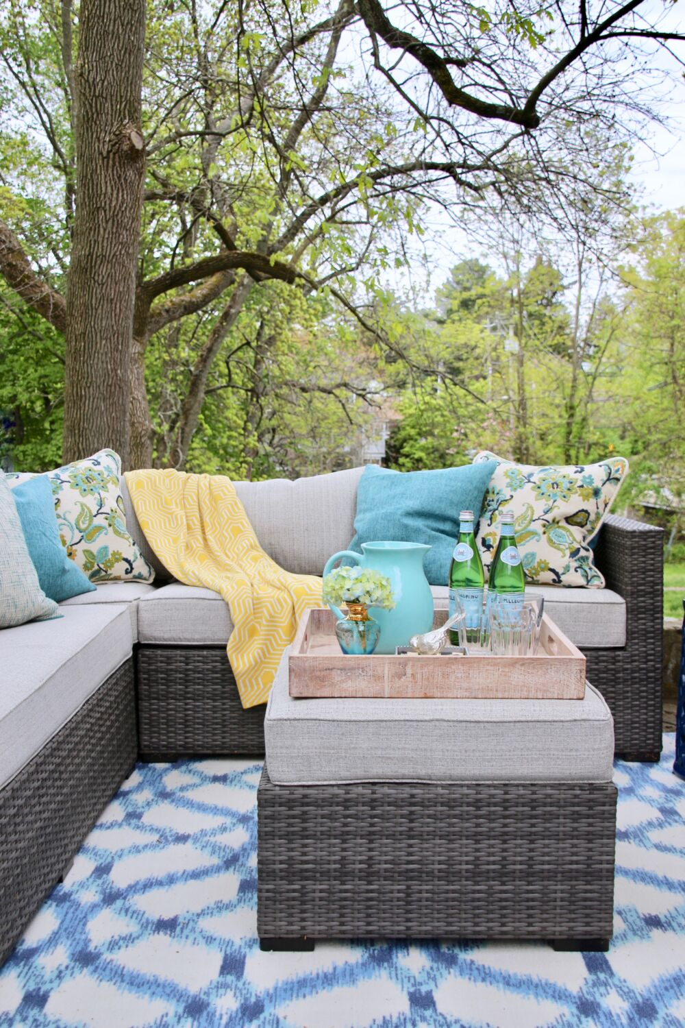 Creating A Chic Colorful And Cozy Outdoor Living Room In A