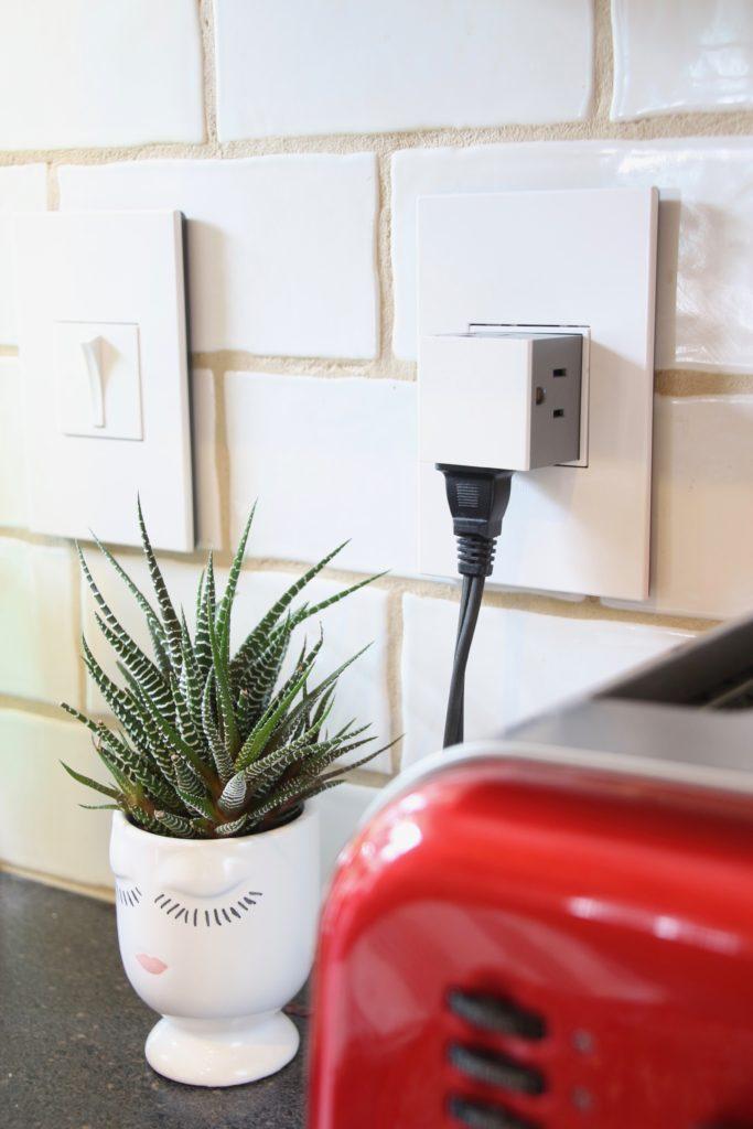 Space Saving Electrical Outlet For Kitchen Backsplash