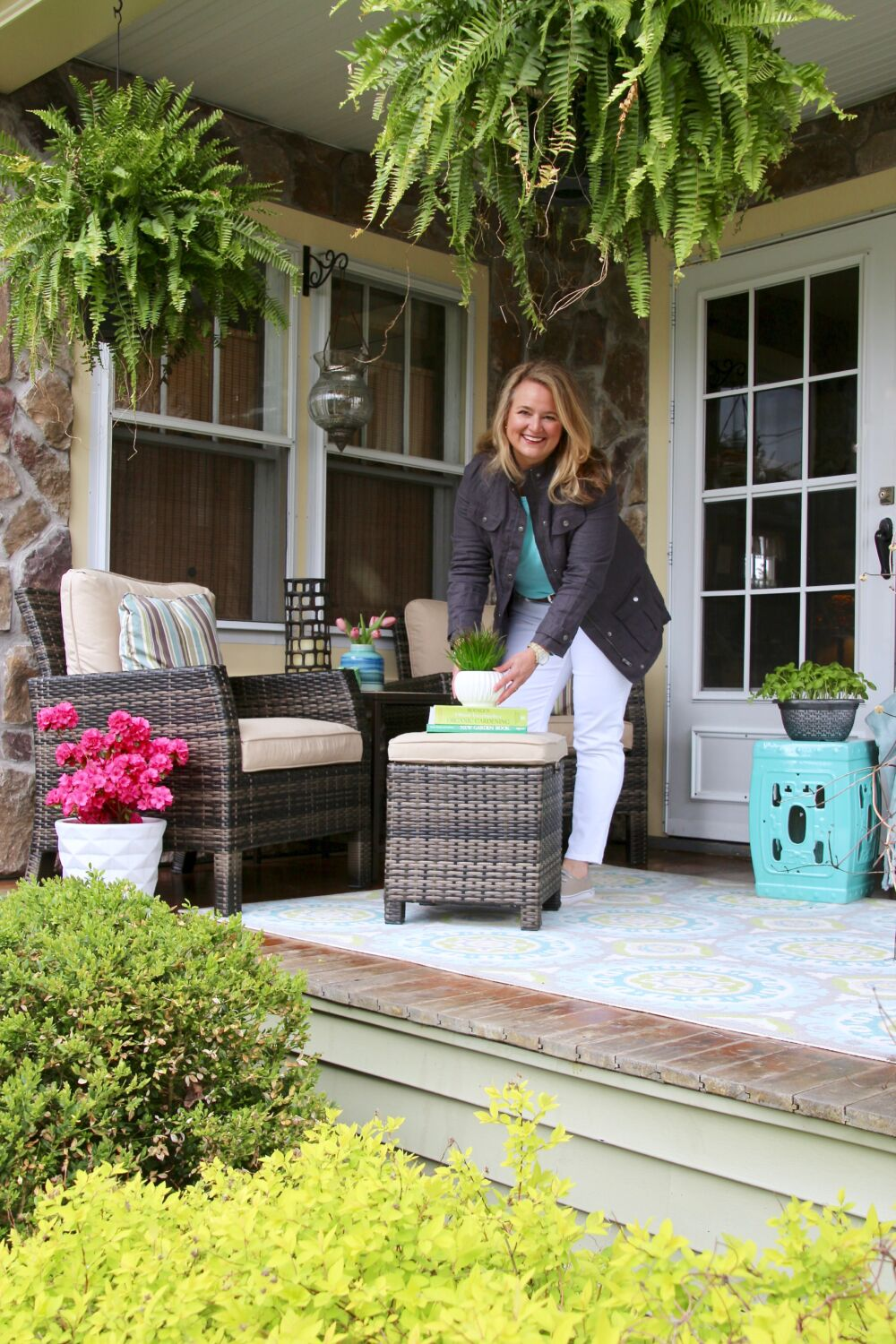 1k Giveaway With Raymour Amp Flanigan Spring Front Porch