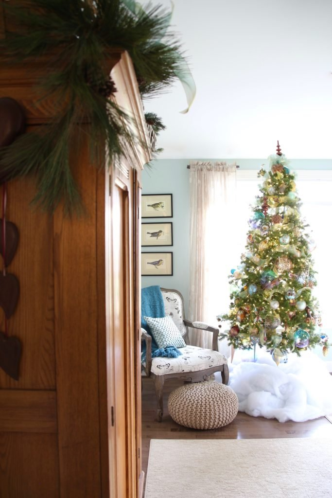 Christmas_bedroom_gorgeous_Turquoise_Makeover_bedding_bonTon_Laura_ashley_Meme_hill_Amie_freling_Tree_Bird_art_Monarch_chair_raymour_flanigan_decorating