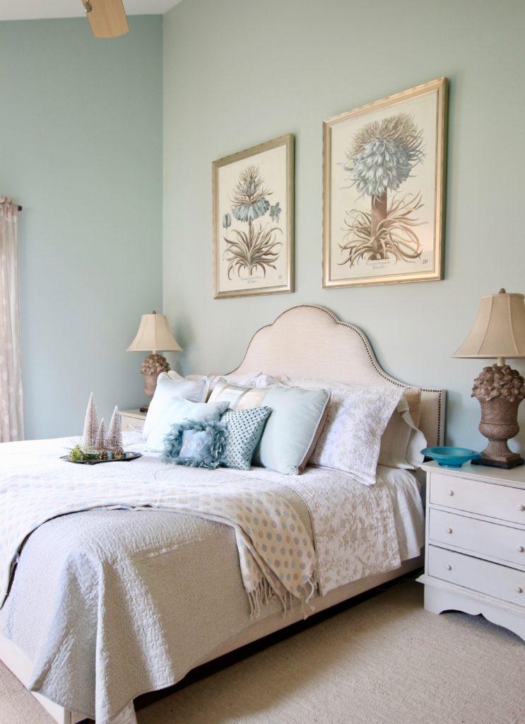 Christmas_bedroom_gorgeous_Turquoise_Makeover_bedding_bonTon_Laura_ashley_Meme_hill_Amie_freling_Tree_Bird_art_botanical