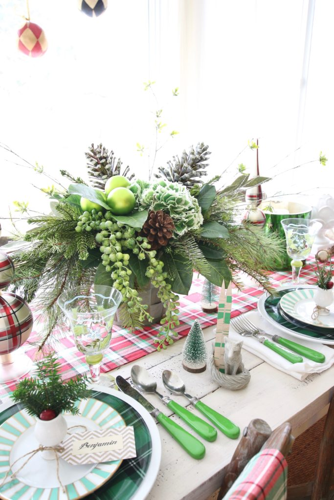 Kitchen_christmas_decorating_gorgeous_setting_table_entertaining_plaid_Floral_arrangement_Red