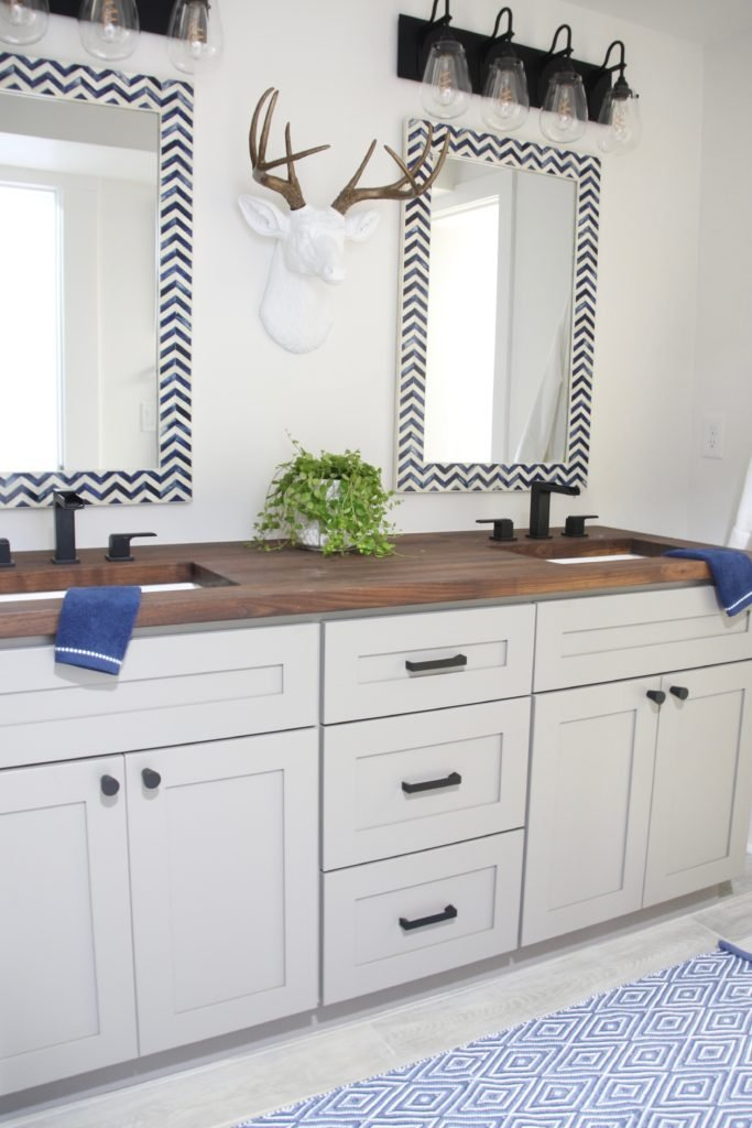 HGTV_Dream_home_Seattle_WA_Gig_Harbor_2018_Delta_faucet_amie_freling_meme_hill_brian_patrick_flynn_Pivotal