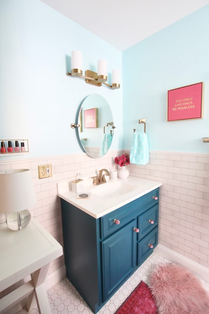 Meme_Hill_bathroom_teen_Makeover_pink_turquoise_subway_tile_glam_chic_gold_delta_faucet_Dryden_champagne_bronze_bath