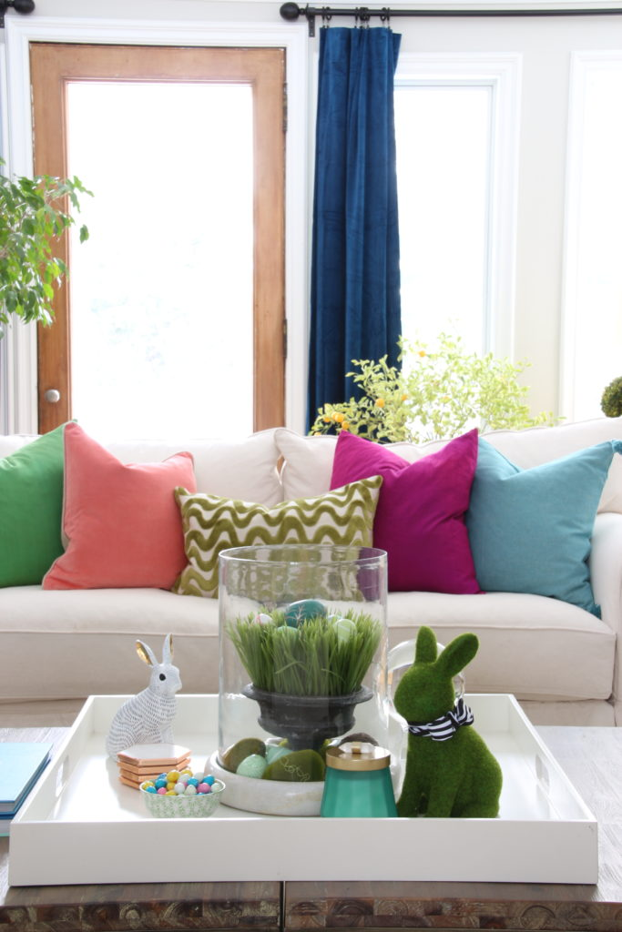 Meme_HIll_Studio_Amie_freling_easter_decorating_livingroom_colorful_ideas_pillows