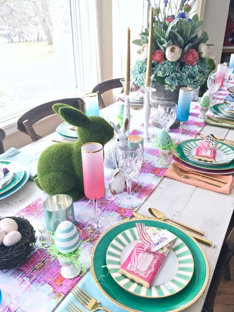 Meme_Hill_AMie_freling_centerpiece_flower_floral_Easter_decorarting_ideas_setting_table_homegoods_colorful_easy_tips_farmhouse_bunny_eggs_bright