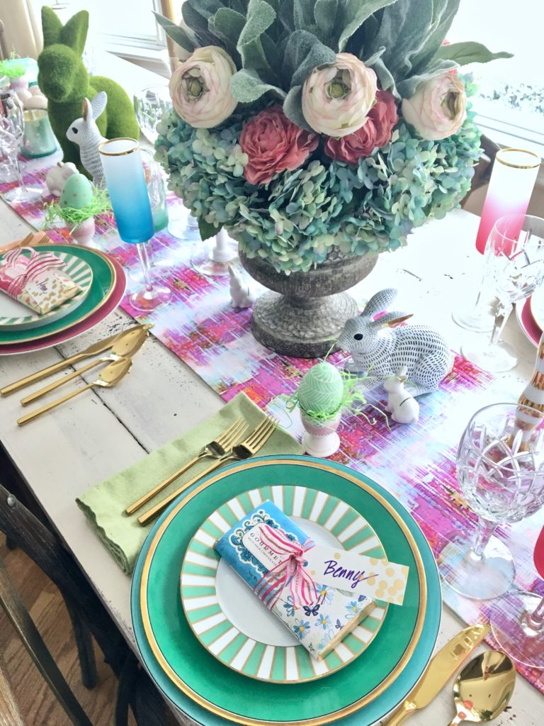 Meme_Hill_AMie_freling_centerpiece_flower_floral_Easter_decorarting_ideas_setting_table_homegoods_colorful_easy_tips_farmhouse_bunny_eggs_bright_candy