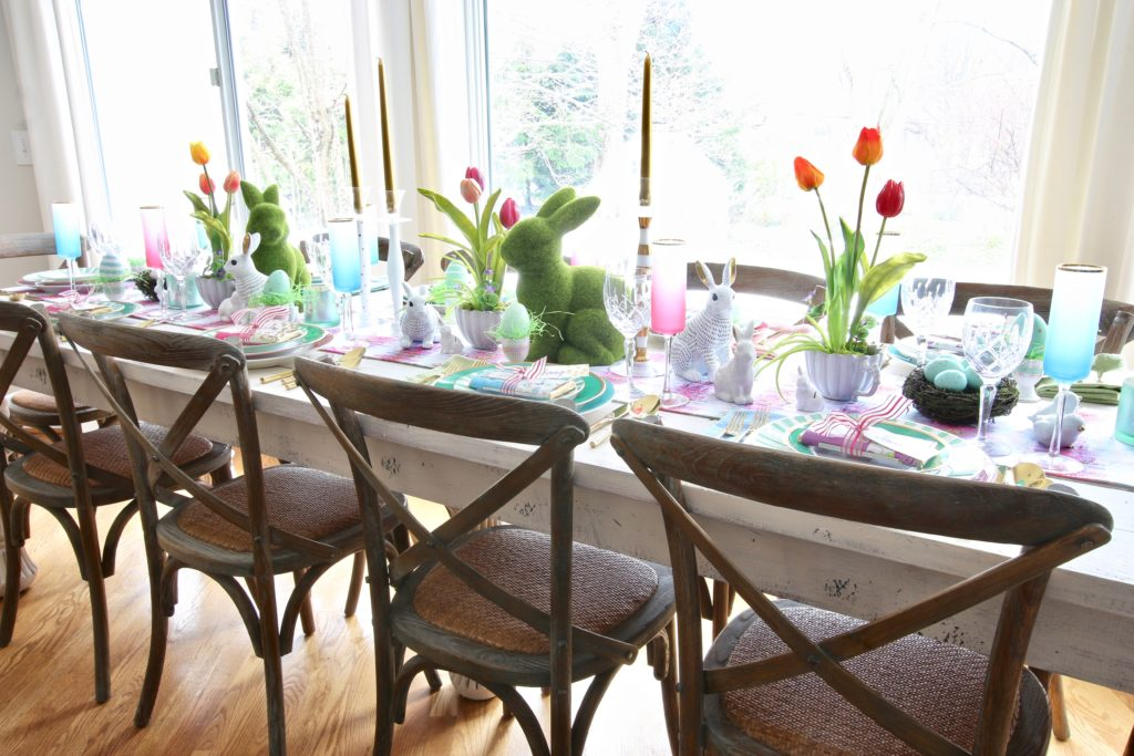 Meme_Hill_AMie_freling_centerpiece_flower_floral_Easter_decorarting_ideas_setting_table_homegoods_colorful_easy_tips_farmhouse_bunny_eggs_bright_chairs