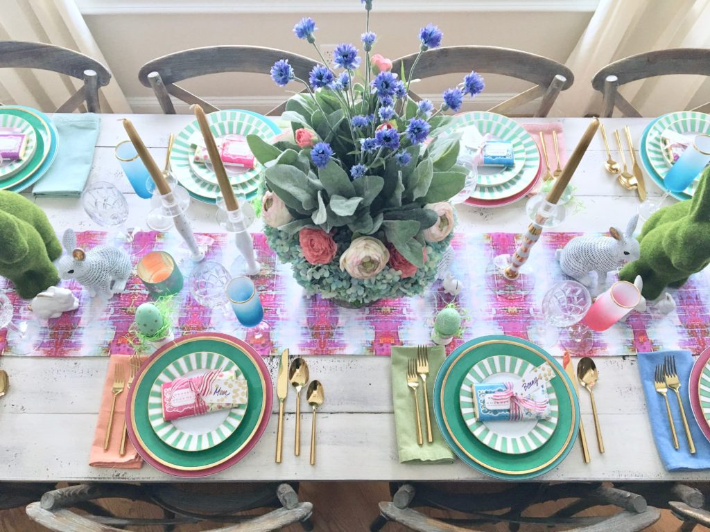 Meme_Hill_AMie_freling_centerpiece_flower_floral_Easter_decorarting_ideas_setting_table_homegoods_colorful_easy_tips_farmhouse_bunny_eggs_bright_flatlay