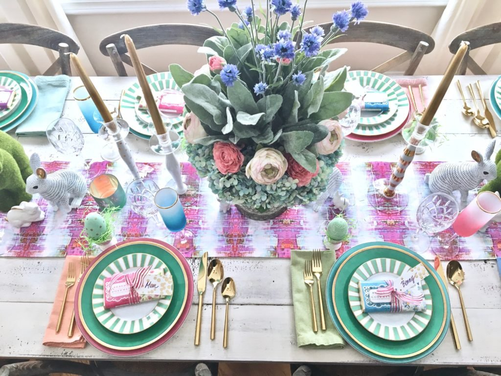 Meme_Hill_AMie_freling_centerpiece_flower_floral_Easter_decorarting_ideas_setting_table_homegoods_colorful_easy_tips_farmhouse_bunny_eggs_bright_gold