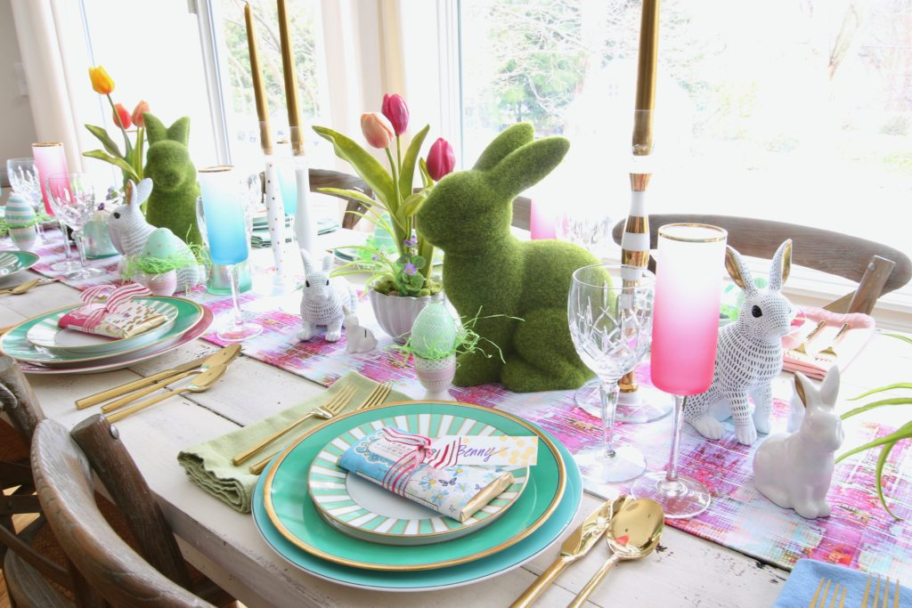 Meme_Hill_AMie_freling_centerpiece_flower_floral_Easter_decorarting_ideas_setting_table_homegoods_colorful_easy_tips_farmhouse_bunny_eggs_bright_tulips