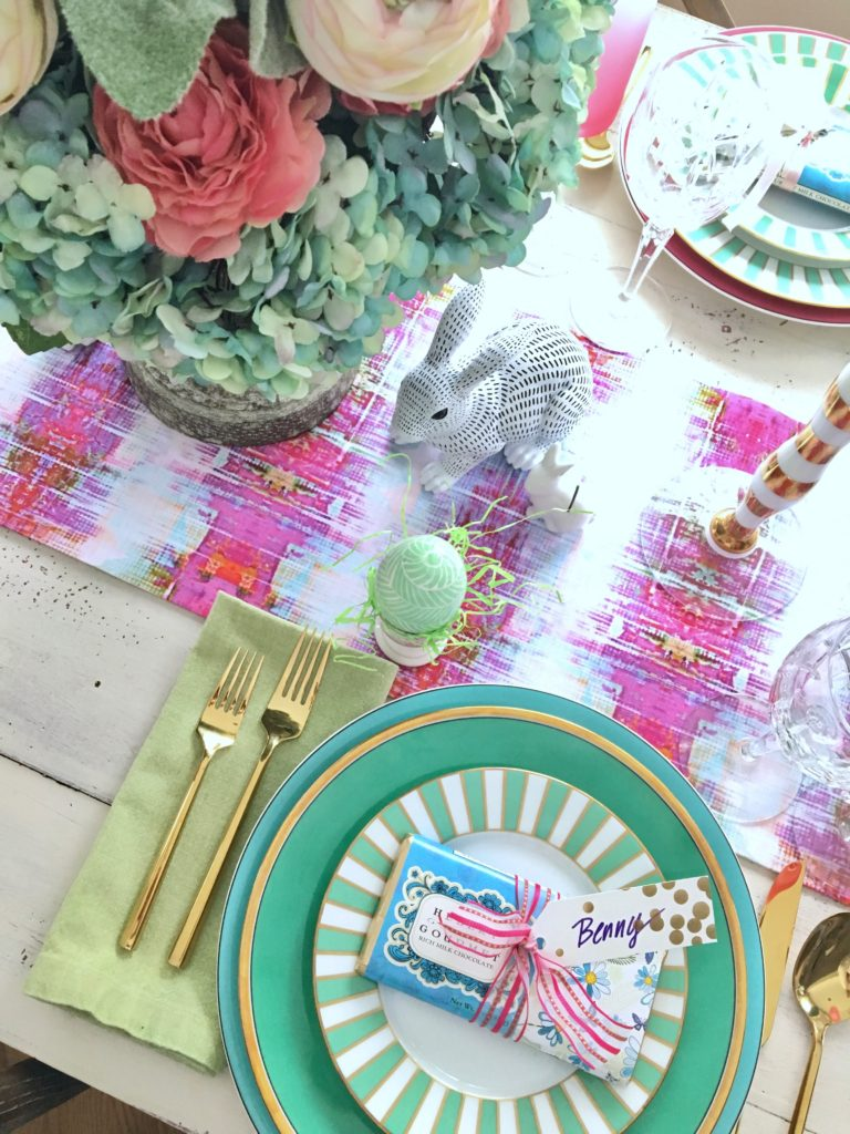 Meme_Hill_AMie_freling_centerpiece_flower_floral_Easter_decorarting_ideas_setting_table_homegoods_colorful_easy_tips_farmhouse_gold_flatware
