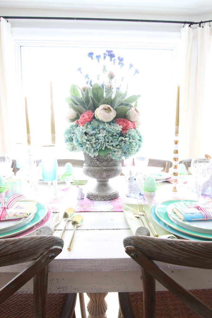 Meme_Hill_AMie_freling_centerpiece_flower_floral_Easter_decorarting_ideas_setting_table_homegoods_colorful_easy_tips_farmhousehydrangea