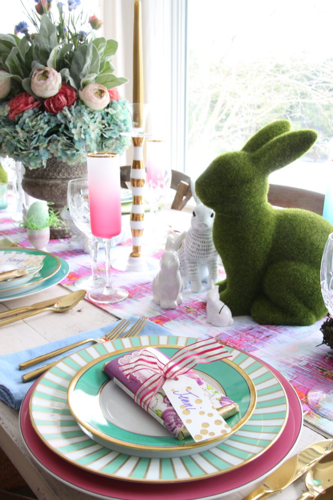 Meme_Hill_AMie_freling_centerpiece_flower_floral_Easter_decorarting_ideas_setting_table_homegoods_colorful_easy_tips_farmhousehydrangea_chocolate_bunny