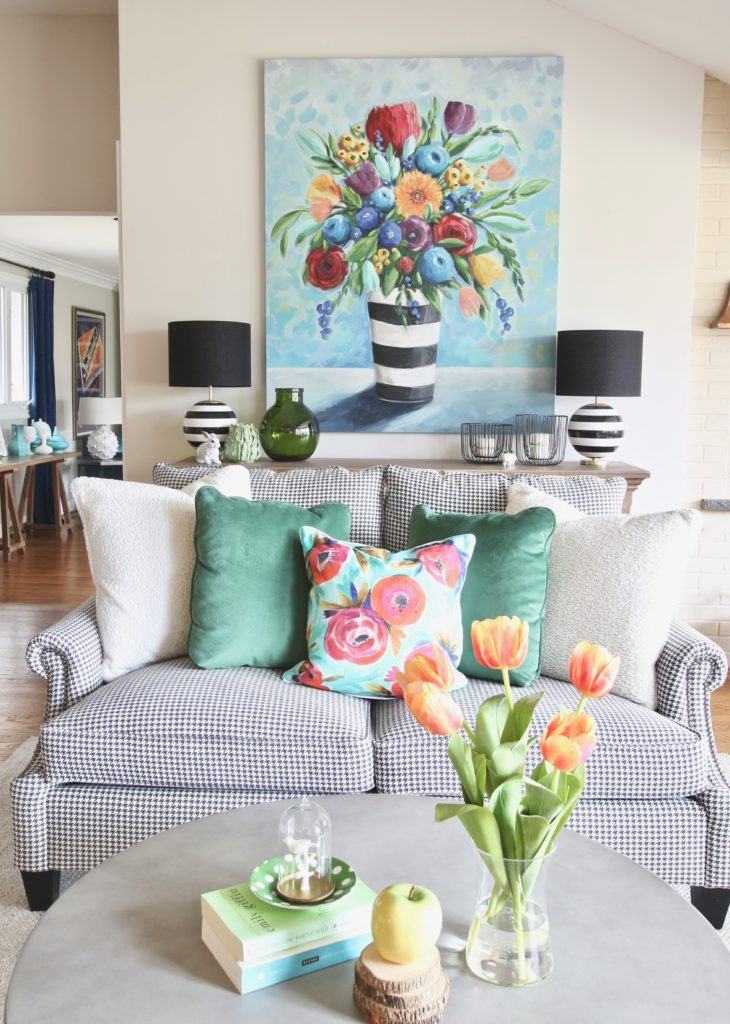 Colorful_jumpstart_Spring_kitchen_Meme_Hill_Studio_Amie_Freling_Raymour_flanigan_black_Houndstooth_Flowers_painting_White_kate_spade