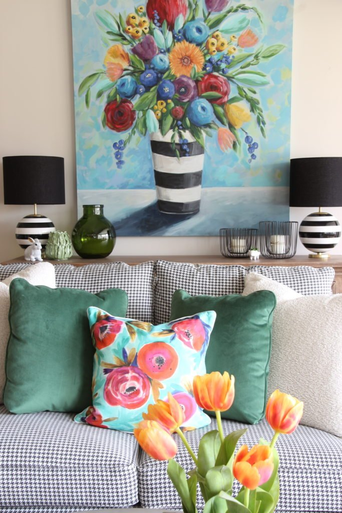 Colorful_jumpstart_Spring_kitchen_Meme_Hill_Studio_Amie_Freling_Raymour_flanigan_black_Houndstooth_Flowers_painting_White_pillows
