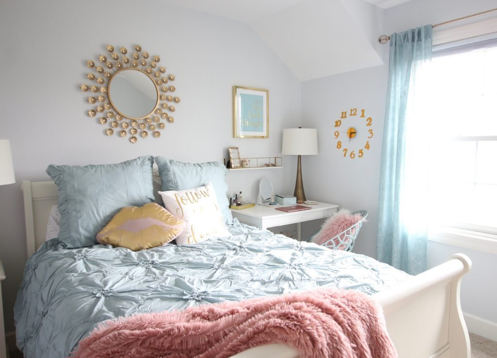 Designing_Teen_room_to_Last_white_furniture_makeover_bedroom_MemeHIll_studio_amie_freling_decorating_ideas_lighting_turquoise_pink_gold_timeless