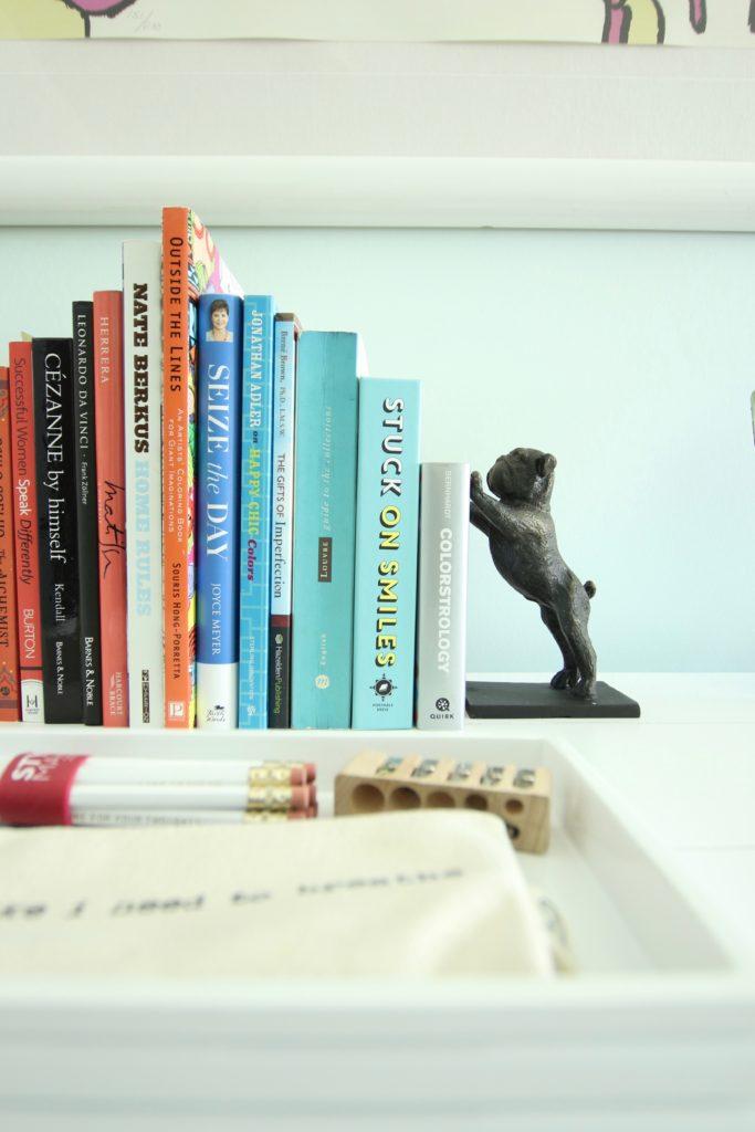 bulldog bookends, color coding books