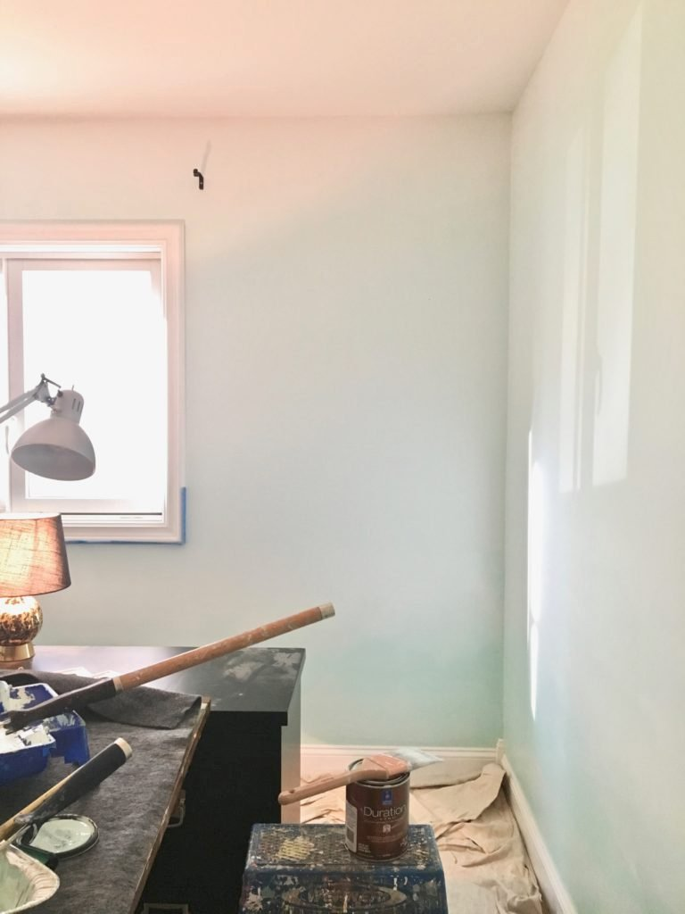 ombre painted turquoise walls