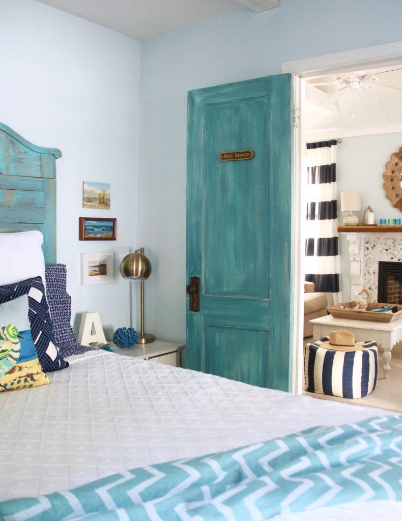 painted door ideas, turquoise door inspiration