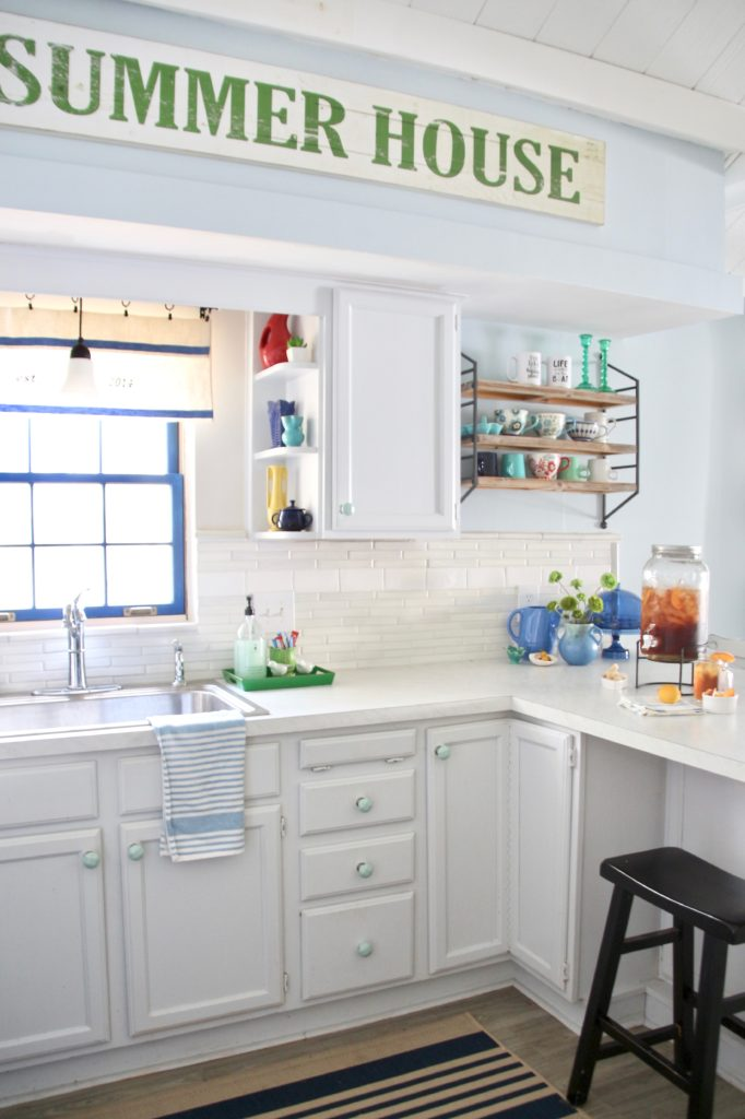 painted cabinets, painted kitchen cabinets, white kitchen cottage, summer house decor