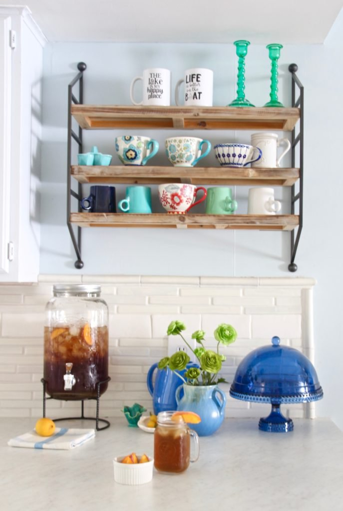 cottage kitchen sink, summer house kitchens, lake house decorating ideas, kitchen remodels on a budget, cute mason jar drink dispensers