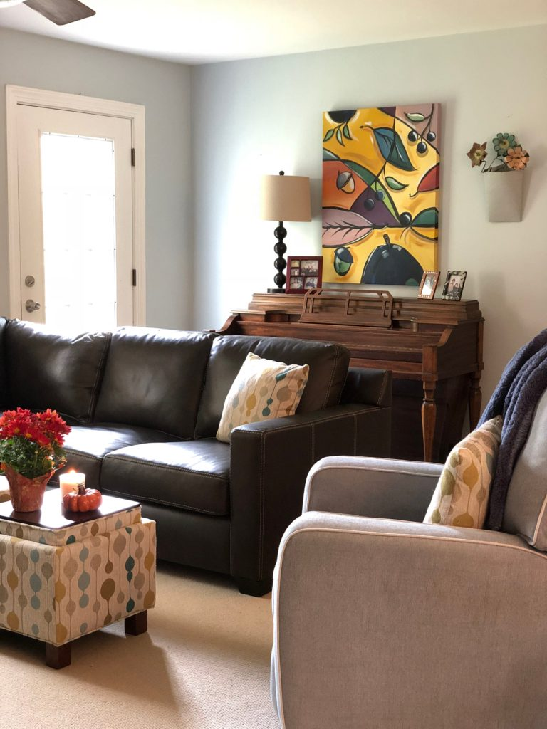 amie freling artist, meme hill paintings, leather sectional
